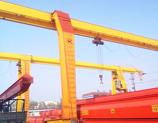 L-shaped single girder crane