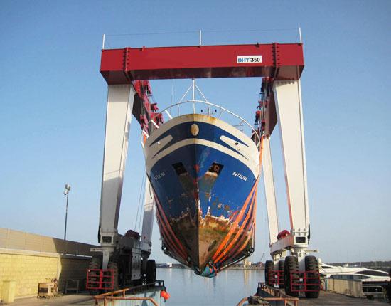 Large Boat Travel Lift
