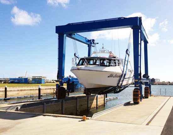 Yacht Travel Lift