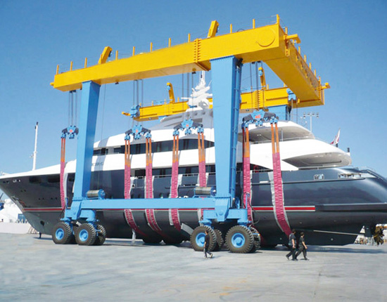 Travel Lift for Boats