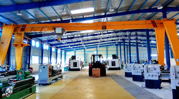 Single Girder Gantry Crane In Workshop